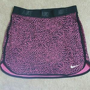 Nike Golfing Skorts Pink & Black w/ pocket on back